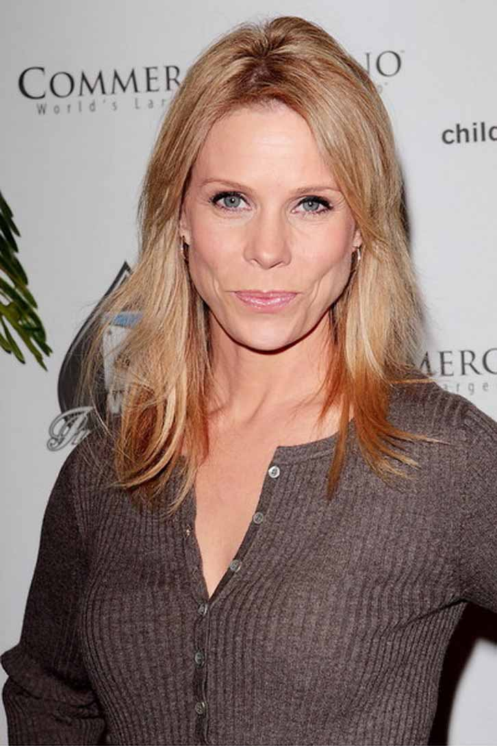 breasts Cheryl hines