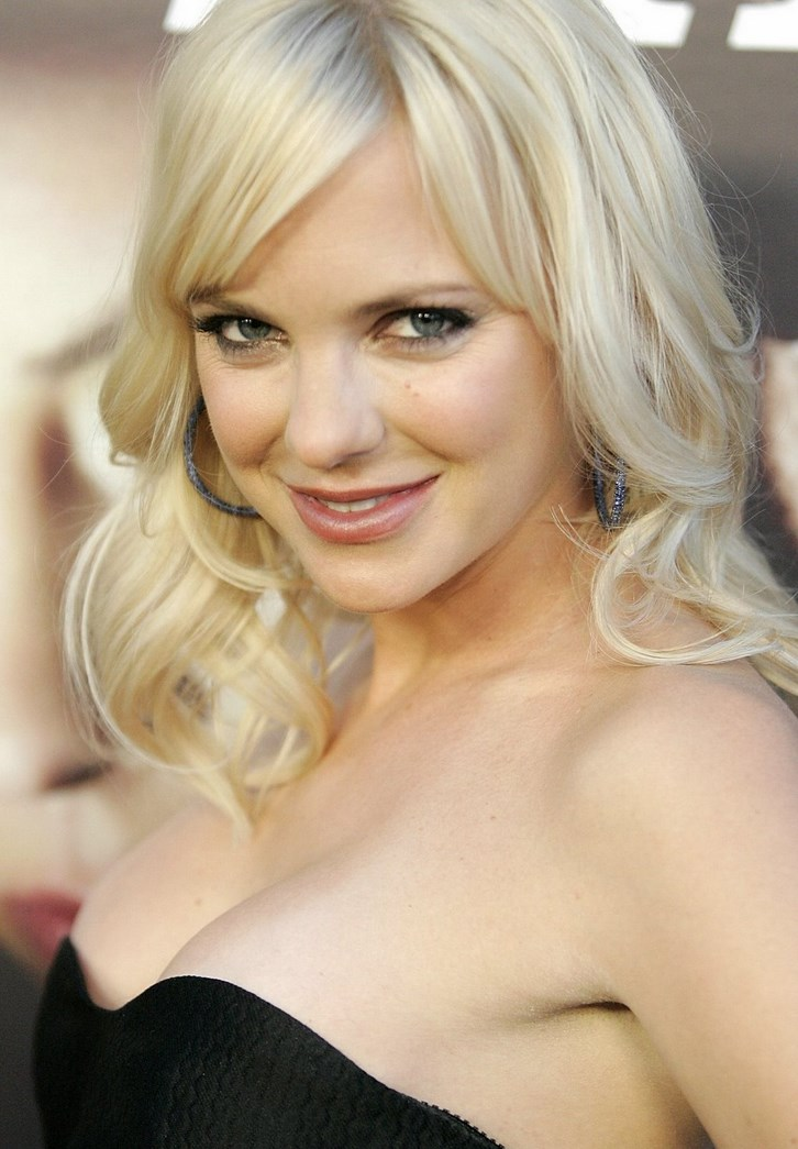 Did Anna Faris Get Plastic Surgery