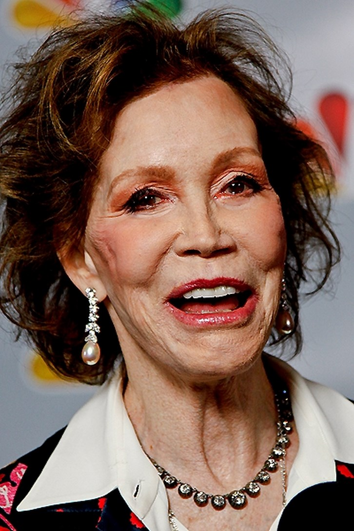 Mary Tyler Moore Facelift