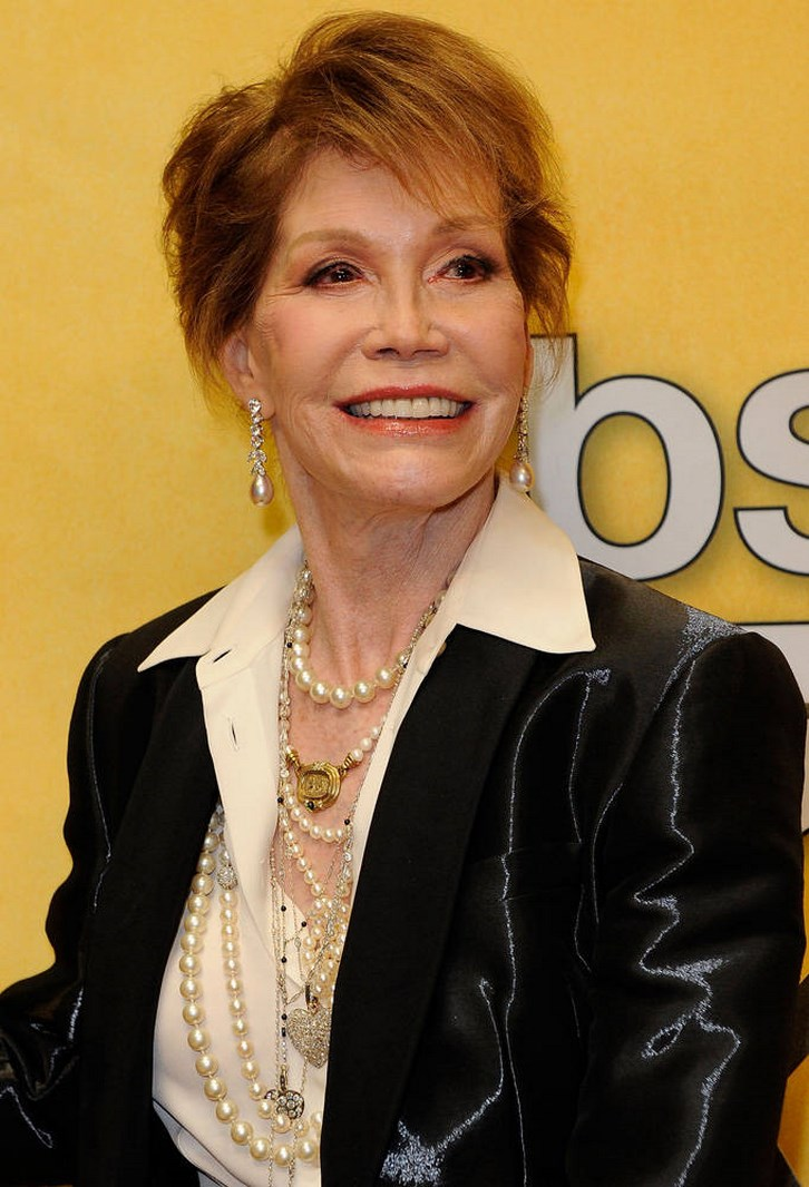 Mary Tyler Moore Plastic Surgery 2014